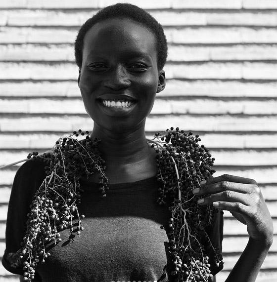 صورة رقم 8 - فيديو وصور: عارضة أزياء سودانية تحارب العنصرية بطريقة أثارت استحسان الجمهور
