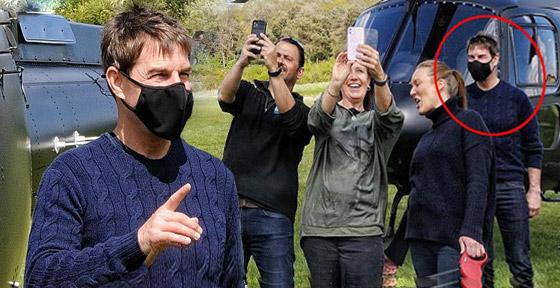 صورة رقم 5 - صور: توم كروز يفاجئ عائلة بريطانية ويهبط بطائرته في حديقة بيتهم.. لم يصدقوا حين خرج من المروحية!