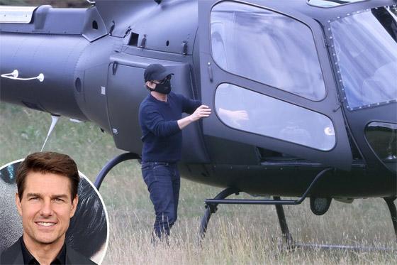 صورة رقم 8 - صور: توم كروز يفاجئ عائلة بريطانية ويهبط بطائرته في حديقة بيتهم.. لم يصدقوا حين خرج من المروحية!