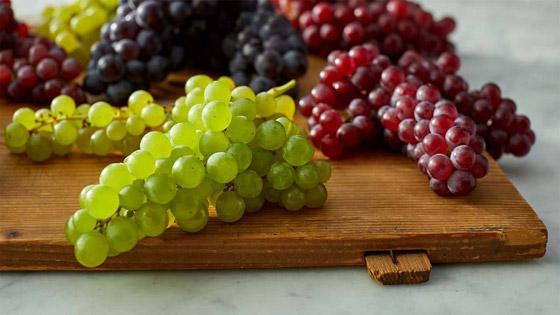 صورة رقم 6 - العنب الفاتح أم الداكن..أيهما أكثر فائدة للصحة؟