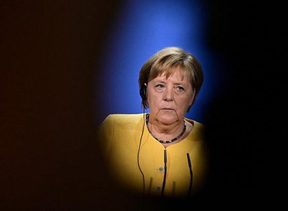 أنجيلا ميركل: أهم المحطات السياسية والمواقف المحرجة في مسيرة المستشارة الألمانية صورة رقم 16