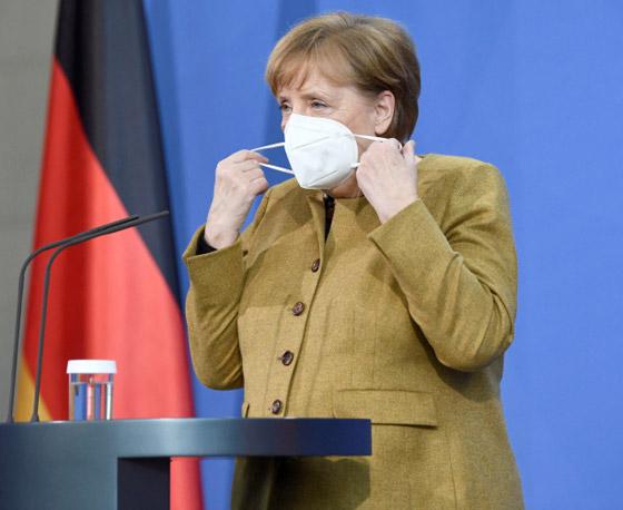 أنجيلا ميركل: أهم المحطات السياسية والمواقف المحرجة في مسيرة المستشارة الألمانية صورة رقم 21