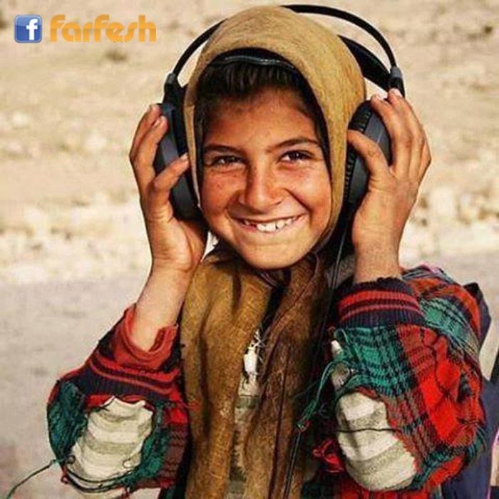 لا تتوقف عن الابتسام حتى وان كنت حزينا فلربما فتن احد بابتسامتك