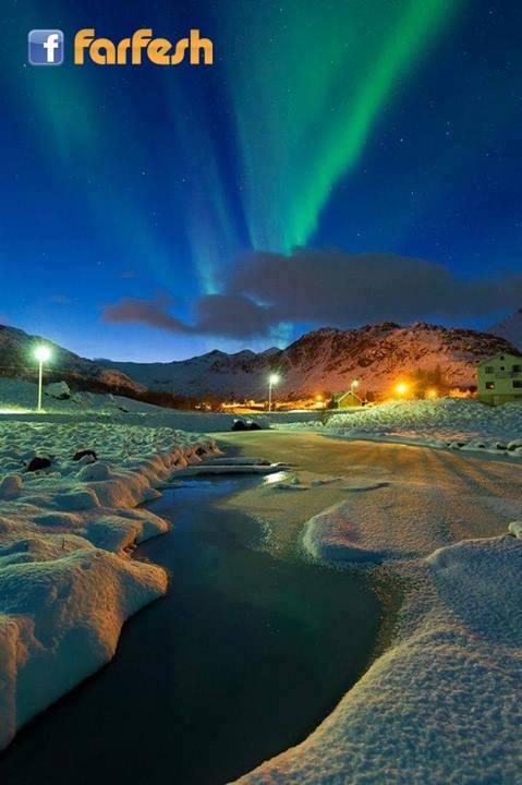 شفق القطبي أو باللاتينية aurora بالقرب من إيجم _النرويج .