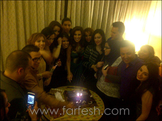صورة رقم 1 - بالصور: نجوى كرم تحتفل بعيد ميلادها مع معجبيها في المغرب