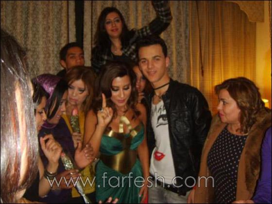صورة رقم 8 - بالصور: نجوى كرم تحتفل بعيد ميلادها مع معجبيها في المغرب