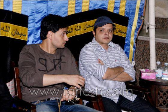 بالصور: عزت ابو عوف يغرق بالبكاء أثناء عزاء زوجته  صورة رقم 5