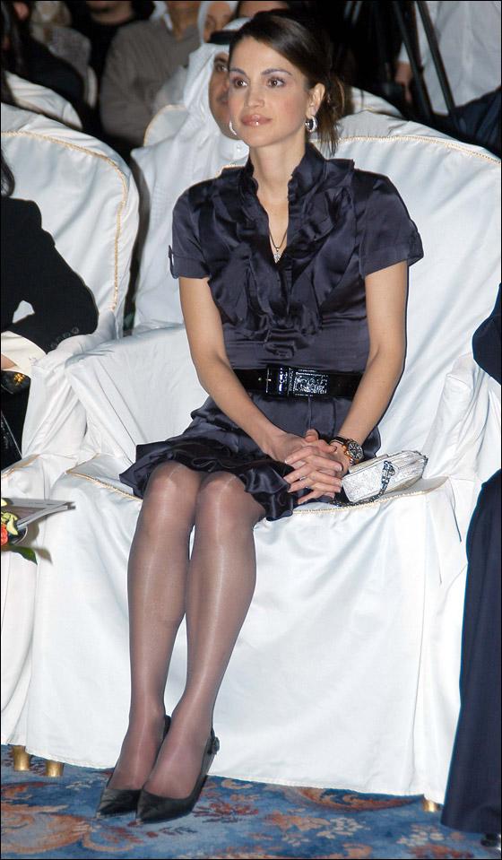 صورة رقم 2 -  12 سيدة يتنافسن على لقب الأكثر أناقةً لعام 2011!