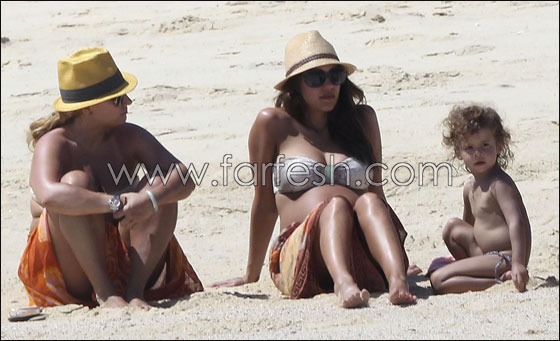 Farfesh for Jessica alba beach pictures