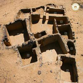 """""""مدينة الرهبان"""".. اكتشاف بنايات أثرية منحوتة في الصخر بمصر"""