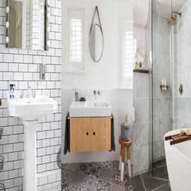 8 اقتراحات أنيقة وعصرية ستجعل حمامك الصغير يبدو أكبر