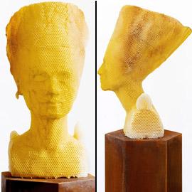 فنان يستخدم 60 ألف نحلة لصنع منحوتة ساحرة للملكة المصرية نفرتيتي