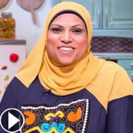 طباخة مصرية تثير تفاعلا واسعا.. كيف ردت على متصل أهانها على الهواء؟