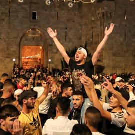 إسرائيل تسمح للفلسطينيين بالوصول لمحيط البلدة القديمة بالقدس