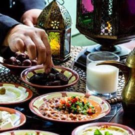 ما هي الأطعمة التي تمنع الجوع والعطش في شهر رمضان؟