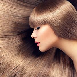 10 خلطات طبيعية تملّس الشعر بكل سهولة