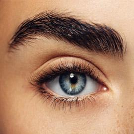 كيف تختارين شكل الحواجب الأنسب لوجهك؟ إليك آراء خبراء التجميل