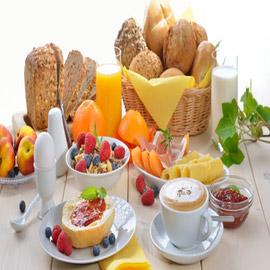 ما الأطعمة التي ينبغي تجنبها في وجبة الفطور؟