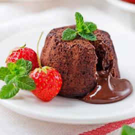 إليكم طريقة تحضير مولتن كيك بالشوكولاتة السهلة والشهية والفاخرة