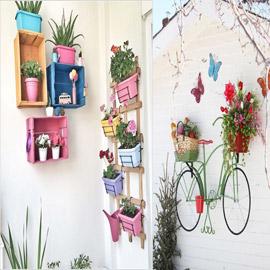 أفكار مدهشة لتزيين جدران المنزل الخارجية بالنباتات