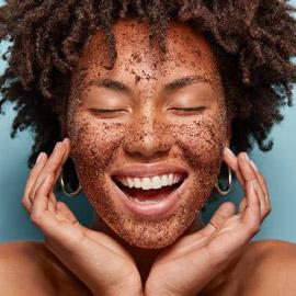 ماسك القرفة واللبن لعلاج حب الشباب والتخلص من حفر الوجه