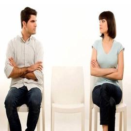 الشعور بالدونية أمام الشريك يدمر الحياة الزوجية