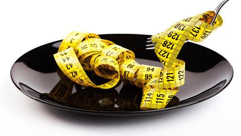 إليكم 8 نصائح غريبة لخسارة الوزن من دون رجيم