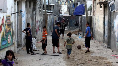 لجأوا إلى المخيمات.. لبنانيون ينتقلون للعيش في مخيمات اللاجئين الفلسطينيين