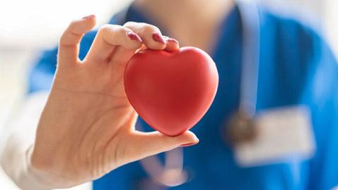 بروتين صحي ونصائح طبية.. كيف يمكن لمريض القلب الصيام بشكل آمن؟