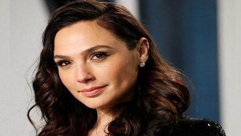 حملة ضد الممثلة الإسرائيلية غال غادوت بعد تعليقها على أزمة إسرائيل