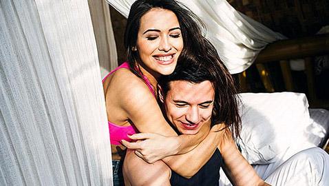 4 عادات صباحية لتعزيز علاقتك الرومانسية