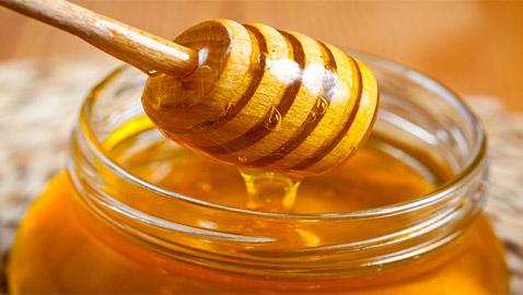 كيف تفرق بين العسل الأصلي والمغشوش؟