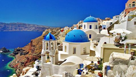 آمال اليونان بموسم سياحي مزدهر تتلاشى مع موجة دلتا الجديدة