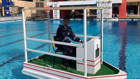طلاب مصريون يخترعون قاربا صديقا للبيئة يمكن التحكم به عن بعد