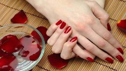 أفضل 6 خلطات لتبيض اليدين في يوم واحد فقط