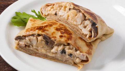 إليكم طريقة تحضير كريب بالدجاج والجبن الشهي