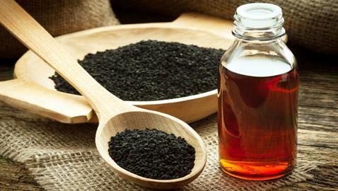 زيت الكمون الأسود.. يساعد على فقدان الوزن وعلاج طبيعي لترقق الشعر